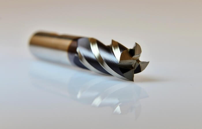 Плазменно-механическая обработка сталей и сплавов