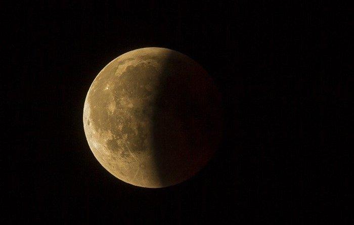 Производство кислорода из лунной пыли