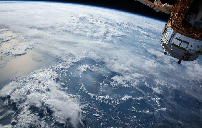 Наноматериал для самозалечивания пробоин в космических кораблях