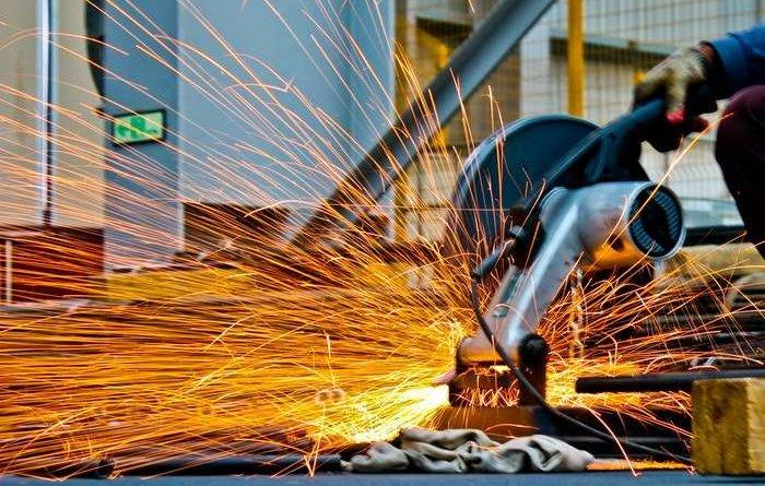 Производственная металлическая мебель